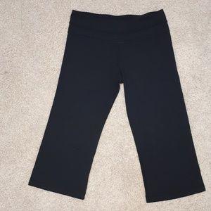 """Lululemon women crop leggings size 28"""""""
